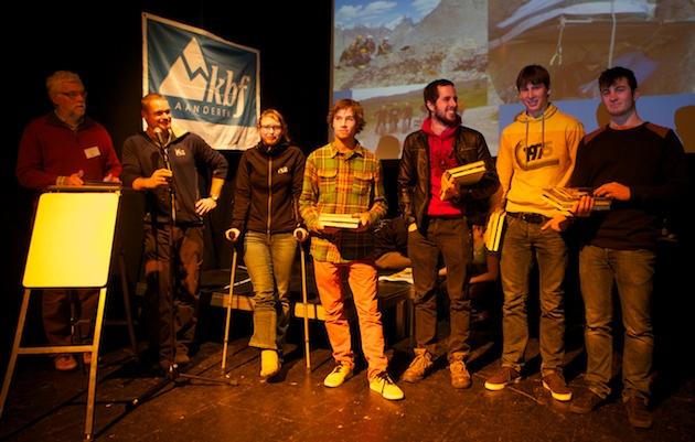 Sanne Bosteels met de afgestudeerde cursisten van Mount Coach